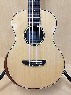 Caraya UK-26S-AR Solid Spruce Top Tenor Ukulele, Custom Beveled Armrest, Natural