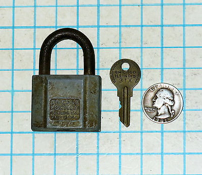 Vtg Old Antique Chicago Lock Co. Early Pin Tumbler Padlock and Original 31X Key