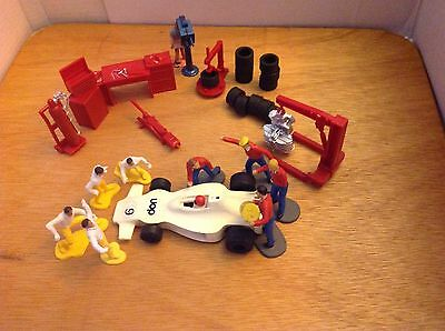 Scalextric, Ninco 1/32 Slot Car Pit Crew Figures And Equipment