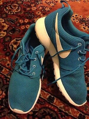 Nike roshe blue and white men's trainers size UK 8