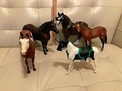 Lot of 5 Plastic Horses 7 to 9 inches tall Breyer and others Clydesdale, Pinto a