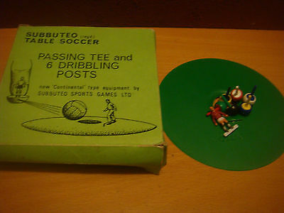 Subbuteo Football Accessories Boxed C 126 Passing Tee & 6 Dribbling Posts