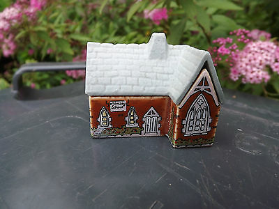"""Wade England """"whimsey-On-Why"""" Miniature Building Figurine--Village School"""