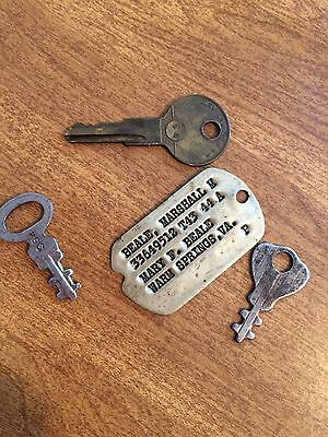 Vintage Military Dog Tag and Lot Of 3 Keys