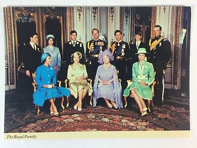 St. Ives, Huntingdon, Cambs The Royal Family Colourmaster Int Unposted Postcard
