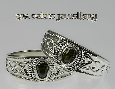 Sterling Silver Celtic Trinity Band with Emerald Green Stone RRP £45 Sale:£24.95