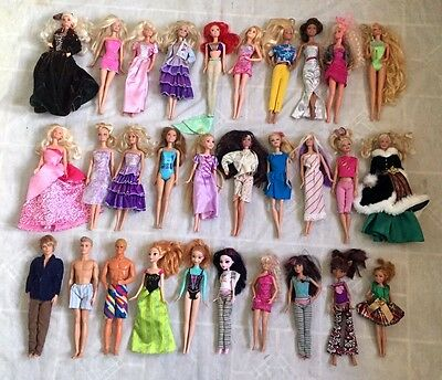 Huge Lot of 30 Barbie & Ken Doll with Clothes - Nice!!