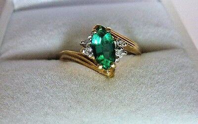 Vintage 10K Solid Yellow Gold Marquise Emerald Diamond Ring size 6.25