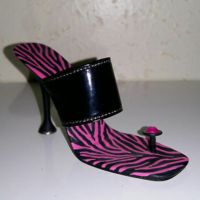 Just The Right Shoe - 2004 - Wild Side - 25462 - Step into your Fantasies