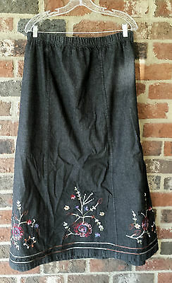 Denim & Co. Black Denim Skirt with Floral Embroidery  Size 3X  EUC
