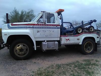 1984 Ford F600 Tow Truck