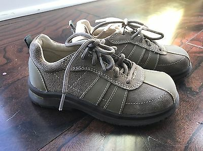 stride rite Boys Size 9 Wide Brown Dress Shoes Suede EUC