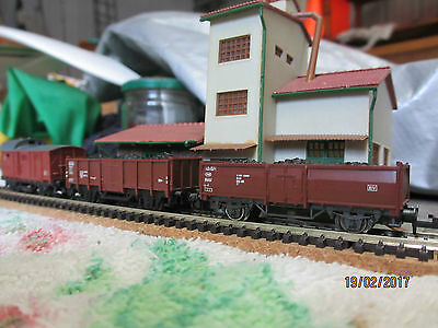 Rake of 2 coal wagons and Guard van, n gauge.