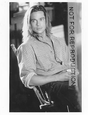 """Brad Pitt, young and with long hair in """"Legends of the Fall,"""" original photo"""
