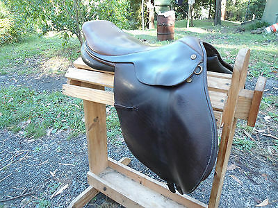 17'' Collegiate Jumping Saddle