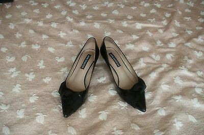 Lady's Jane Debster Black Patent Shoes Size 7.5 B