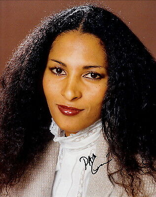 PAM GRIER ~ JACKIE BROWN - ABOVE THE LAW ~ SIGNED 10x8 PHOTO COA