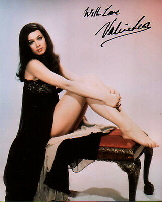 VALERIE LEON ~ JAMES BOND - HAMMER HORROR ~ #2 ~ SIGNED 10x8 PHOTO COA