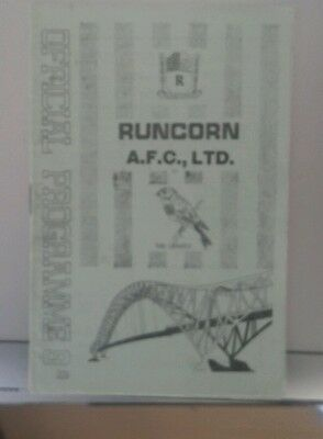 69/0 Runcorn V Morecambe     (Non League Football Programme)