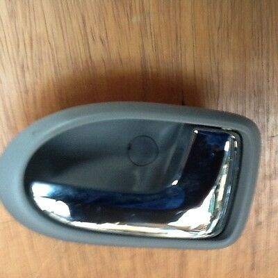 99-04 MAZDA PREMACY DRIVER os SIDE RIGHT front interior door handle inner chrome