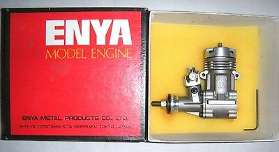 Model aeroplane engine: ENYA SS30