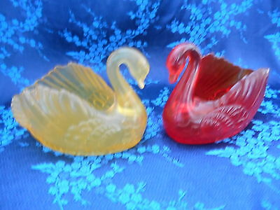 Vintage KITSCH Translucent Swans Yellow Red Plastic 50s 60s Retro Dishes Holders