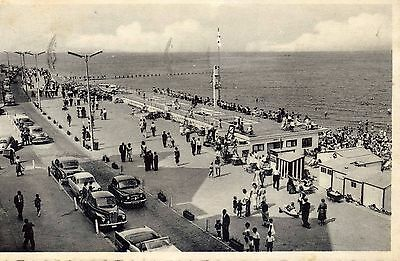 Knokke-Zoute - showing 1950's cars