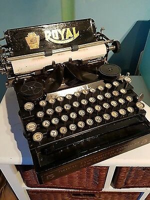 vintage royal number 5 typewriter in super condition for age