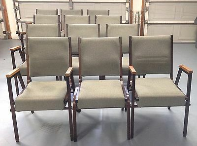 Lot Of 30 Church/banquet-Chairs!