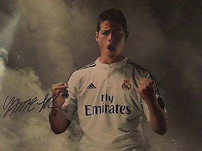 James Rodriguez Real Madrid Original Hand Signed Photo 12x8 With COA