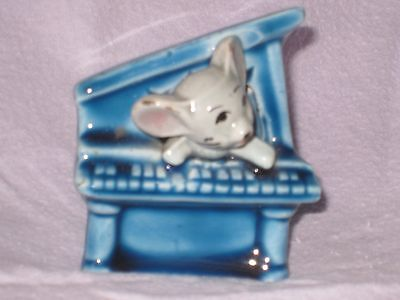 MOUSE in a SMALL BLUE PIANO of FOOT IN FOOT OUT SERIES.Ceramic Pottery Figurine.