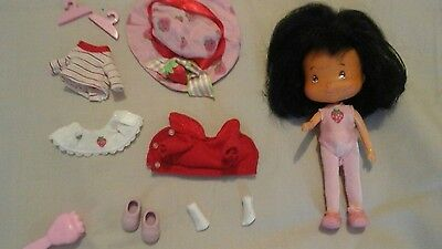 strawberry shortcake ballerina doll with extra clothes,