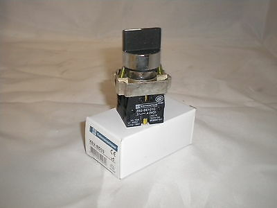 22MM  PANEL MOUNTING 3 POSITION CHANGEOVER SWITCH  Telemecanique XB2-BD33