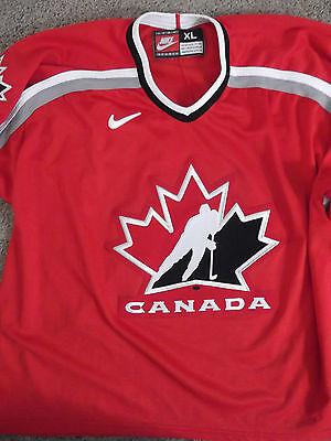 LN Men's Nike Canada Hockey Jersey Size XL