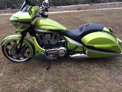 2015 Victory Magnum Cross Country XC w/ABS  2015 Victory Magnum XC w/ABS Cross Country