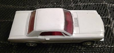Old Ertl 64 1/2 White Ford Mustang 1-25 Die Cast Metal Car
