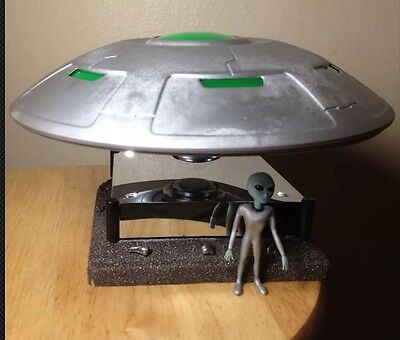 UFO Flying Saucer X-Files Model Display - Alien -Floats In Mid Air ! Meteorite