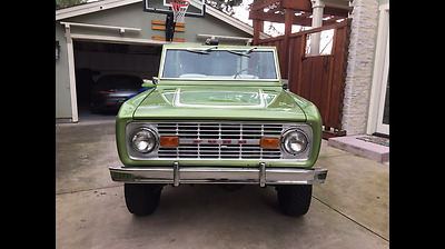1976 Ford Bronco  Take a look at this CLEAN beauty! Super rare and automatic,fun to drive classic