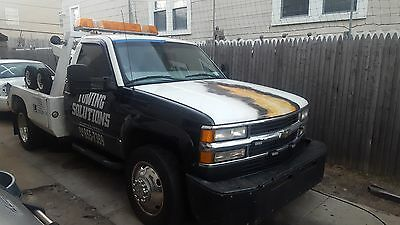 2000 Chevy tow truck