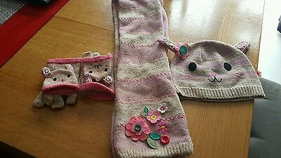 girls hat scarf and gloves 2/4 years