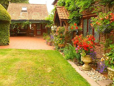 Pet Friendly Holiday Cottage NR. ST.ALBANS HERTFORDSHIRE. PRIVATE COUNTRY ESTATE