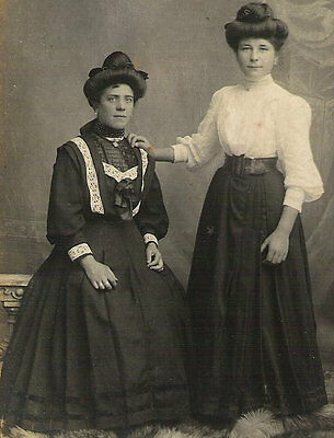 EDWARDIAN Highly FASHIONABLE WOMEN Antique Rppc real photo Photograph Post Card