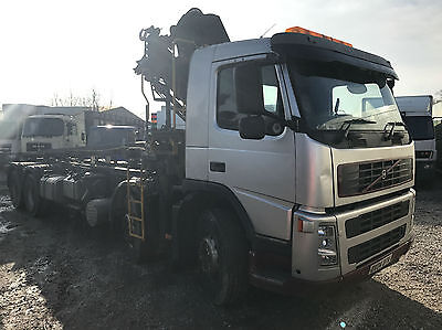 Volvo FM12 8x4 340 DAY HOOKLIFT WITH CRANE