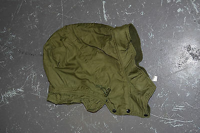 Used Canadian army hood for green winter parka size 7348  ( #ho4 bte#146 )
