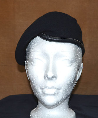 Used Canadian military black beret size 7 (ref#b2bte145)
