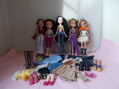 BUNDLE OF BRATZ DOLLS WITH ACCESSORIES in Good Used Condition A Must See