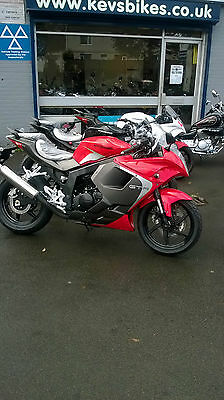 125Cc Hyosung Learner Legal Kevsbikes Finance Free Local Delivery - From £2299