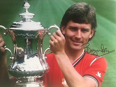 Bryan Robson Manchester United Original Hand Signed Photo 12x8 With COA