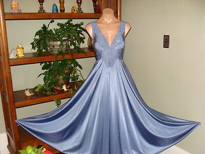 "Womens Vintage Olga Long Nightgown & Peignoir Robe- Bust to 38""- Blue-Sweep 150"""