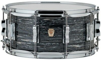 Ludwig Classic Maple Snare Drum 14 x 5 in. Vintage Black Oyster Pearl
